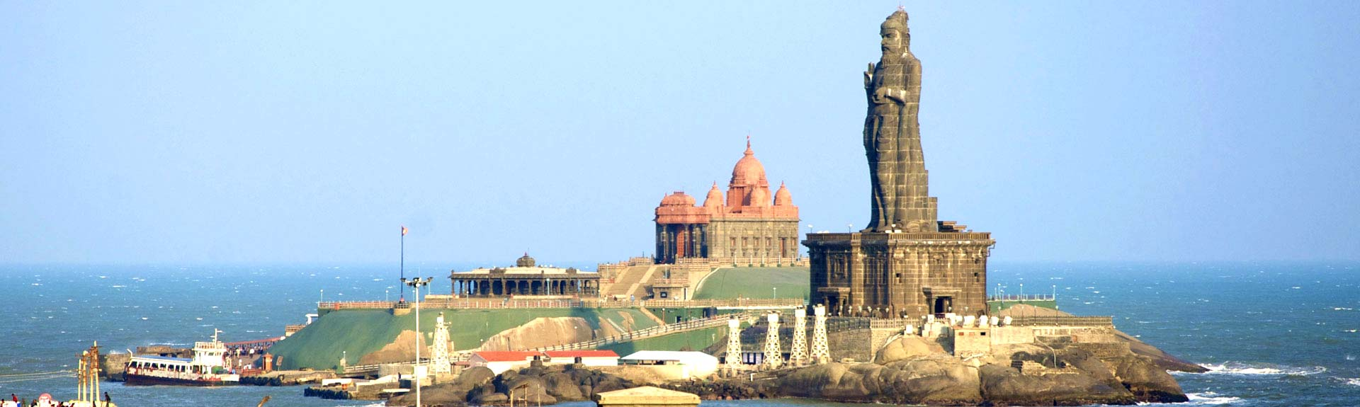 tamil-nadu_kanyakumari_thiruvalluvar-statue-at-kanyakumari,Kerala tour packages , Kerala honeymoon packages, Holiday packages in Kerala